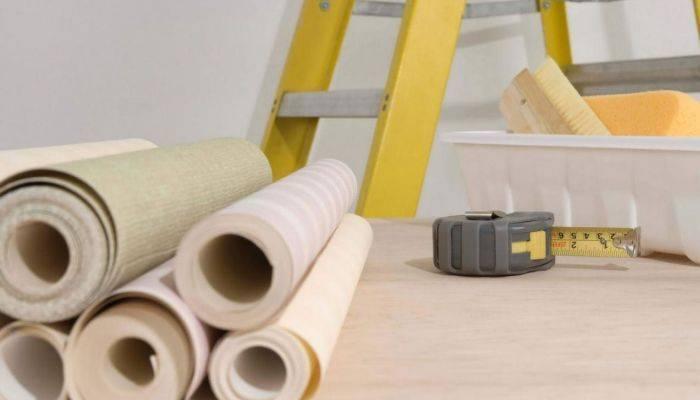 Набор инструмента для поклейки обоев на стену