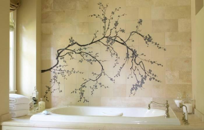 Рисунок на стене в ванной