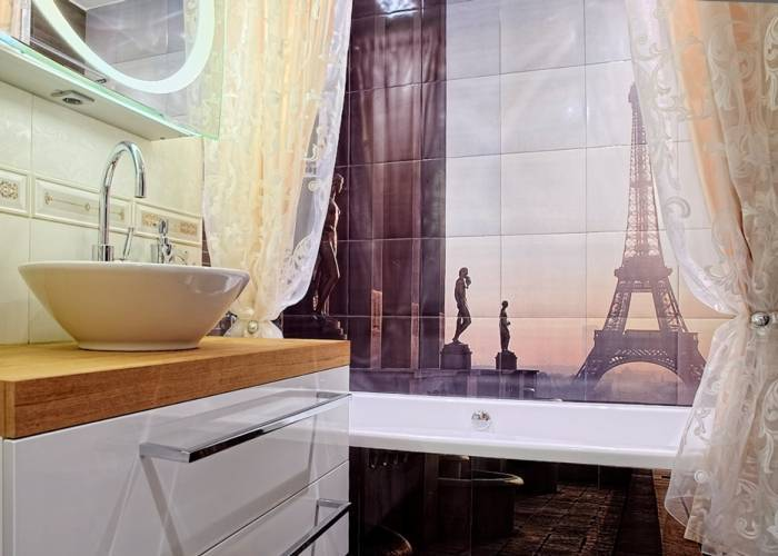 Рисунок Франции на стене