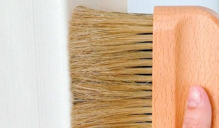 Чистка и мытье обоев