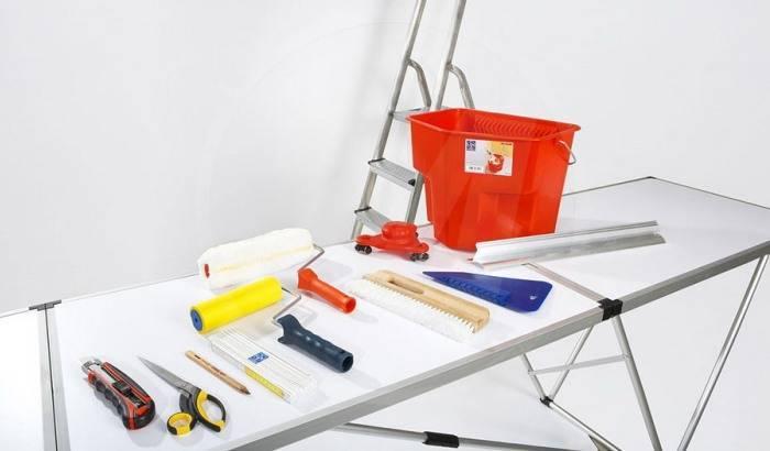 Набор инструмента для поклейки и снятия обоев