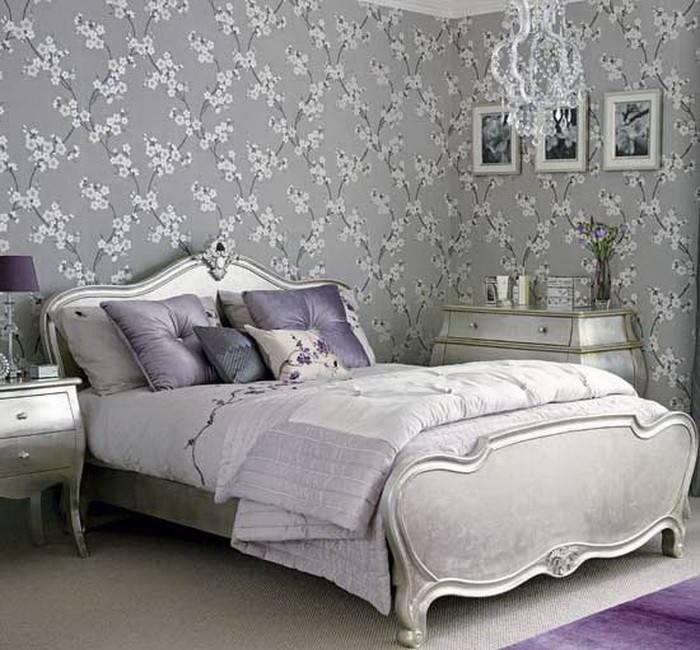 Обои в спальню с цветочной тематикой