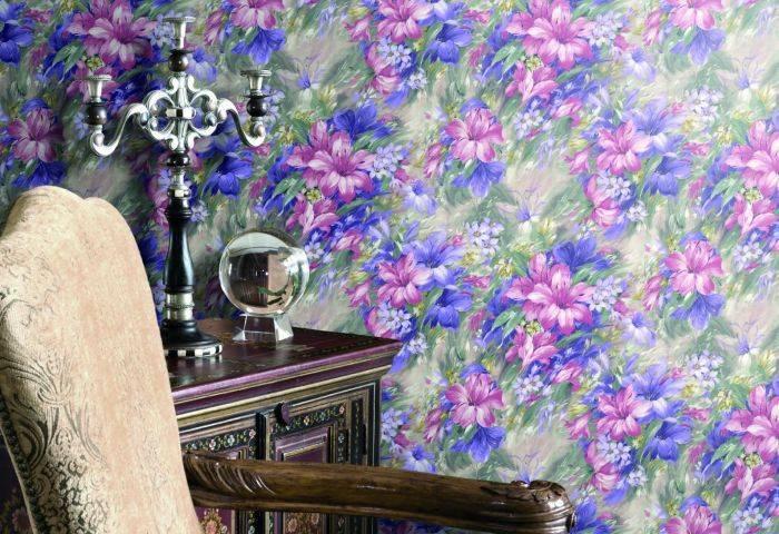 Яркие цветочные обои для стен