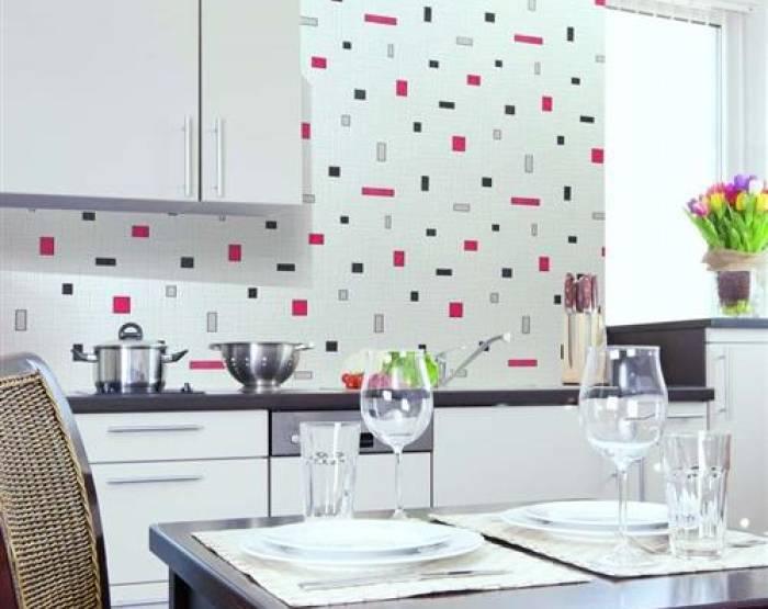 Вариант отделки кухни моющимися обоями
