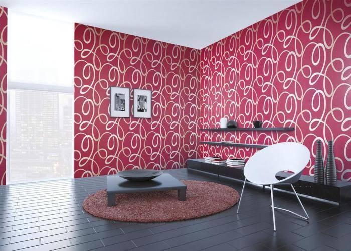 Красный интерьер гостиной для творческих людей
