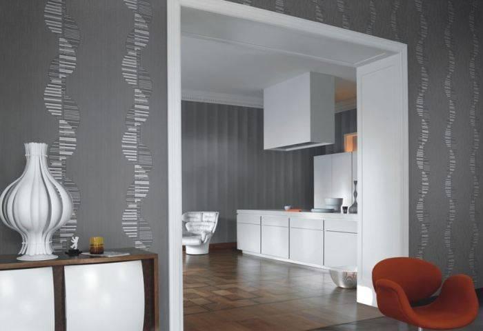 Использование серых обоев в нескольких комнатах