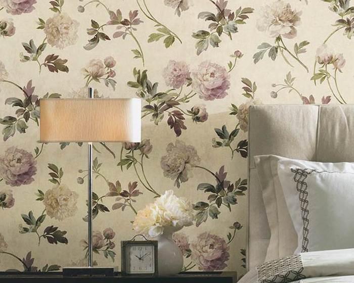 Одна из расцветок обоев для спальни от американской компании