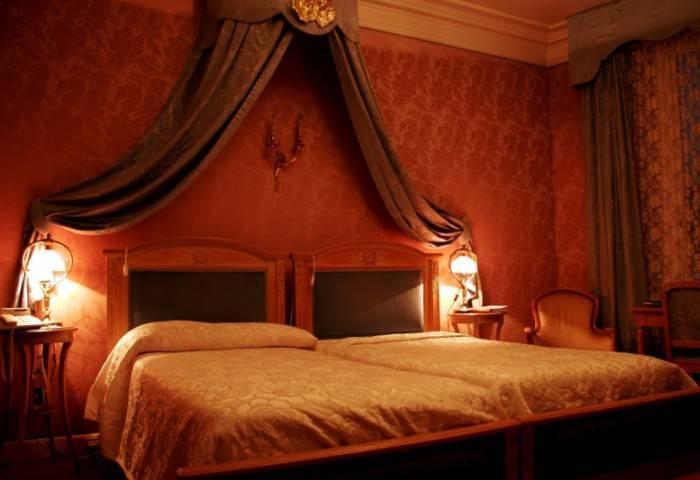 Шикарный интерьер в спальне