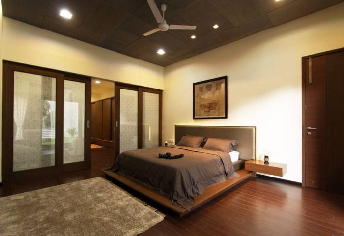 Выдержанный цветовой баланс в интерьере спальни
