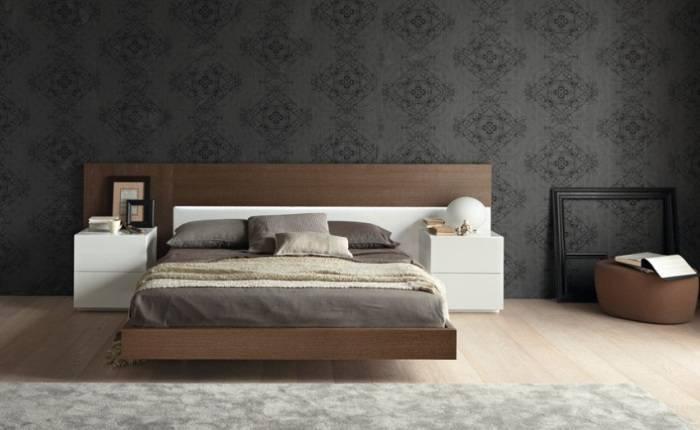 Черные обои с рисунком в спальне