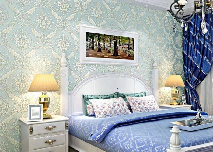 Использование в спальне голубой шелкографии