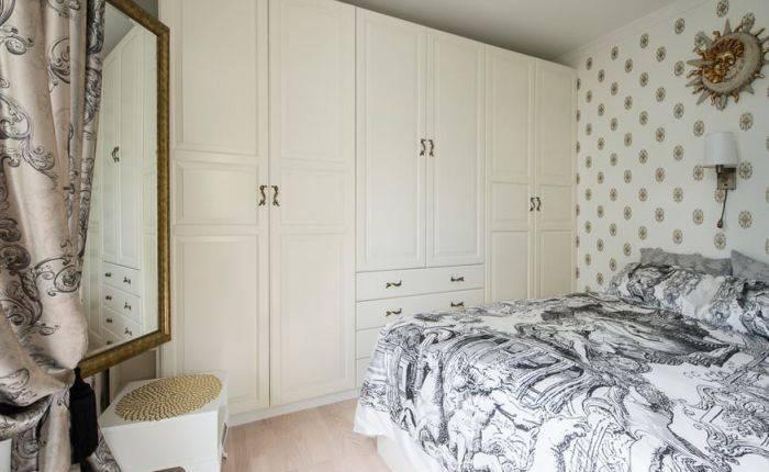 Фоновое использование обоев в спальне