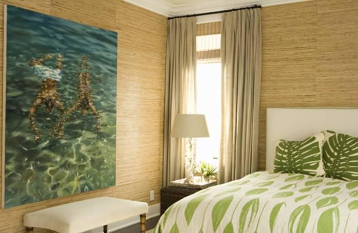 Применение натуральных обоев в спальне