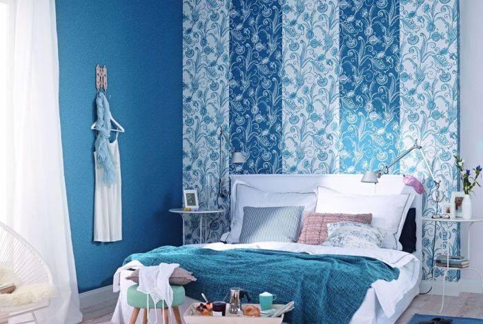 Использование голубых обоев в спальне