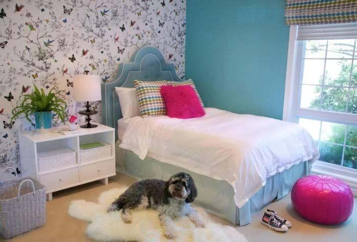 Применение контрастных обоев в детской спальне
