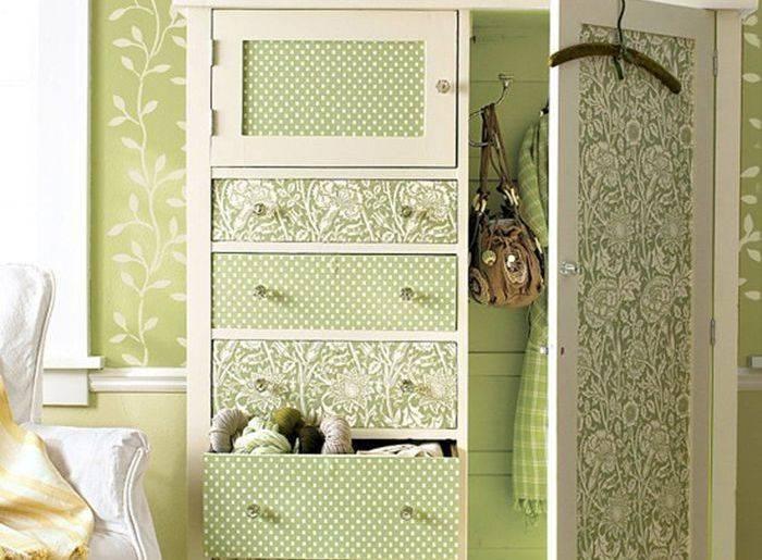 Зеленые с белым обои для декорирования