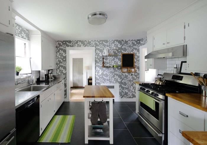 Кухонные обои с цветами