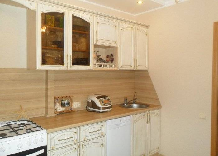 Практичный и удобный интерьер кухни