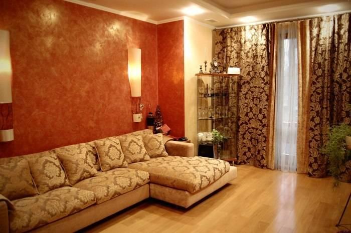 Колоритный дизайн небольшой гостиной
