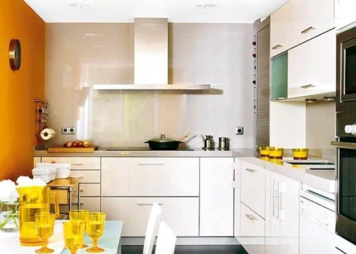 Использование горчичного цвета на кухне