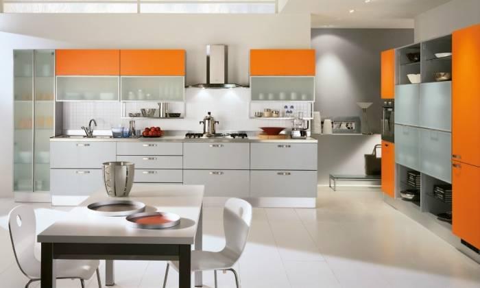 Практичный интерьер современной кухни