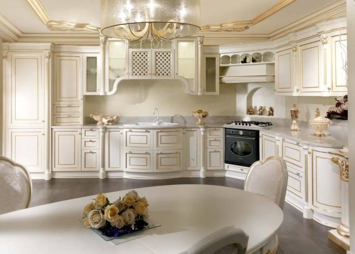 Шикарный интерьер огромной кухни