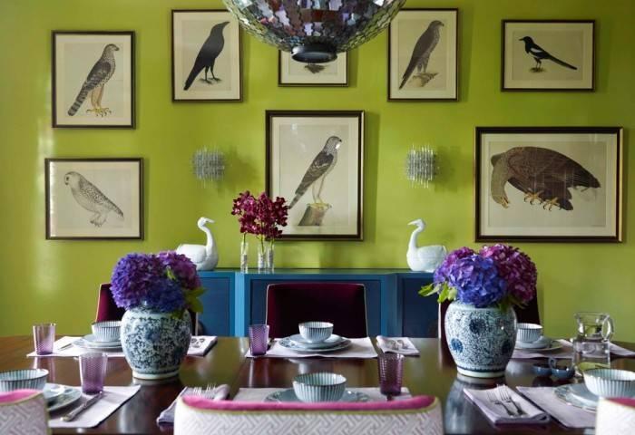 Интерьер гостиной любителя птиц