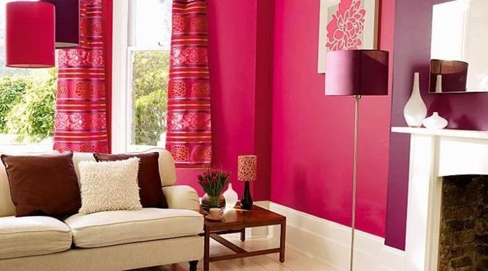 Яркая и насыщенная цветами гостиная
