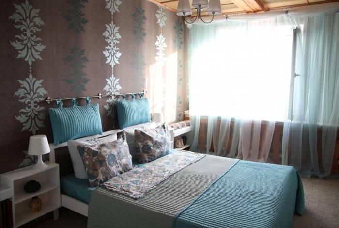 Гармоничный интерьер небольшой спальни