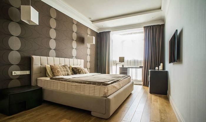 Качественная отделка стен в спальне