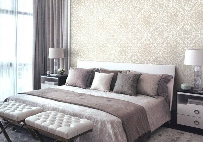 Шикарный интерьер большой спальни