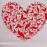 Сердце из бабочек и цветов