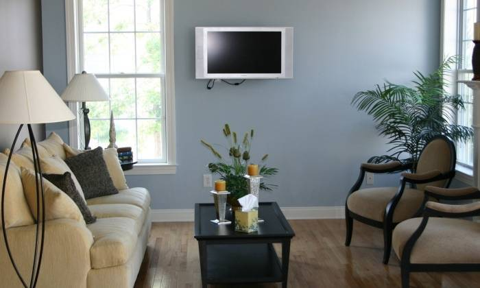 Удачные цвета в интерьере гостиной комнаты