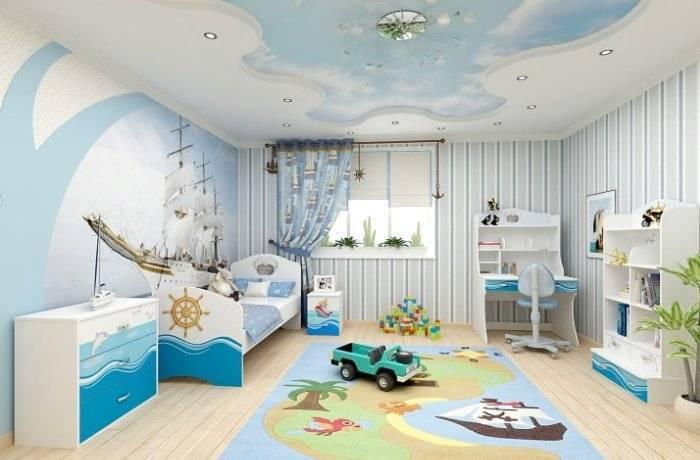 Светлый интерьер просторной детской комнаты